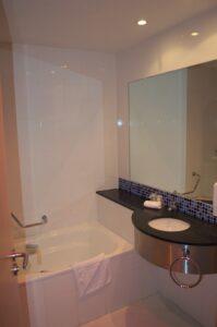 Holiday Inn Barcelona City 22 - łazienka