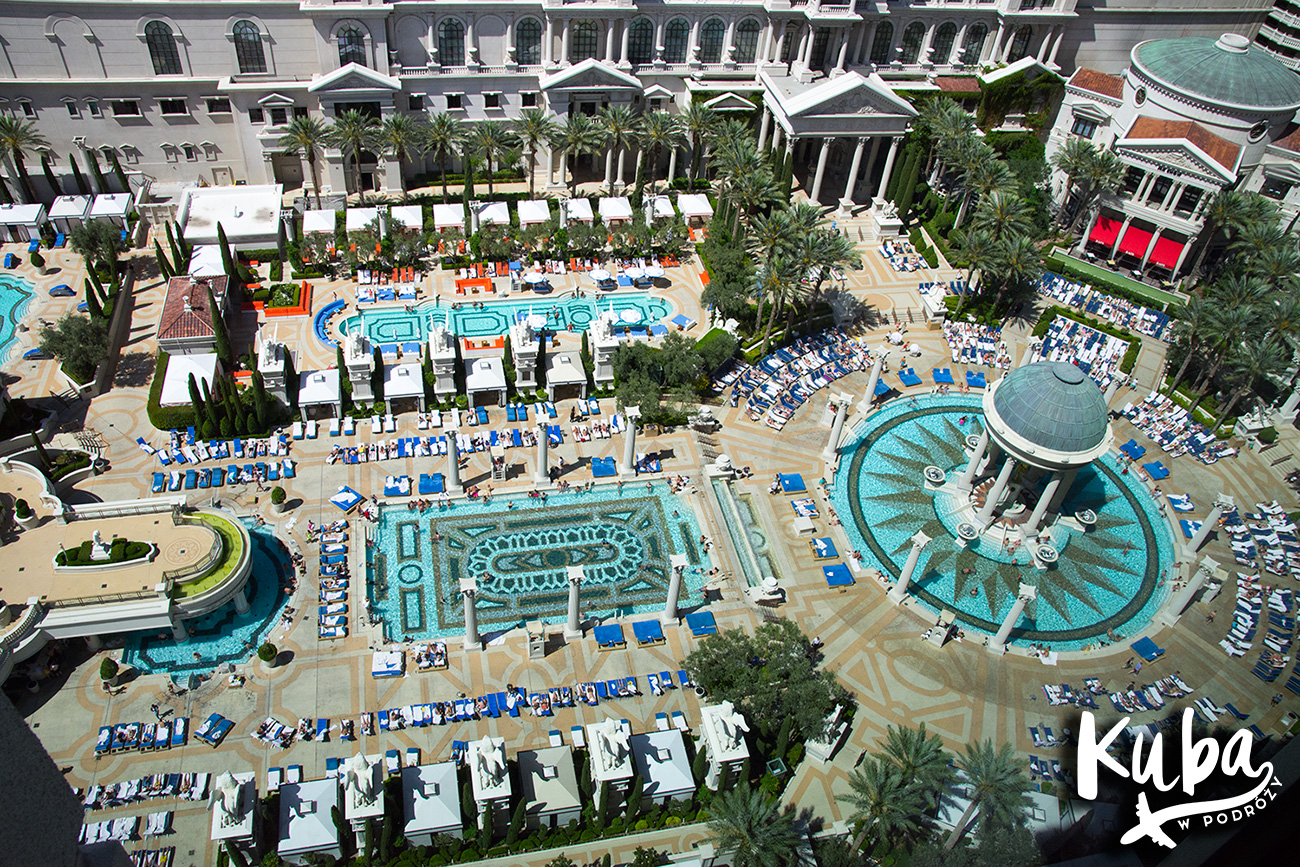 caesars palace garden of the gods pool oasis