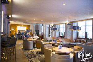 AC Hotel by Marriott Wrocław - widok na część śniadaniową