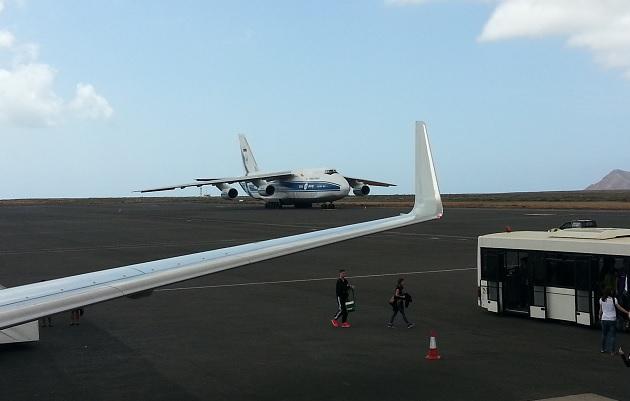 Antonov AN124 na lotnisku Sal (SID)