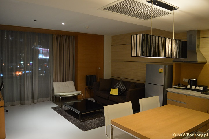 Oaks Bangkok Sathorn Hotel - kuchnia