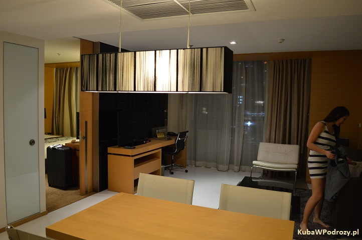 Oaks Bangkok Sathorn Hotel - pokój dzienny