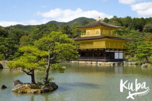 Słynny Złoty Pawilon, Kioto.