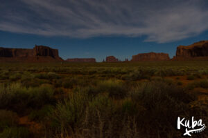 Monument Valley nocą