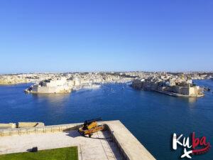 Malta - Górne ogrody Barrakka z widokiem na 3 miasta