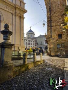 Bergamo - stare miasto - widok na Piazza Vecchia